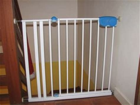 barriere de protection escalier barriere pour bebe images frompo 1