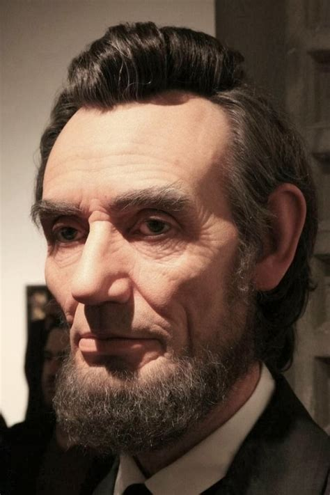 incredibly realistic sculpture of abraham lincoln ye kya