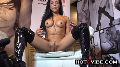 Hot Spanish Lesbians In Public Squirting Hot G Vibe Xxx