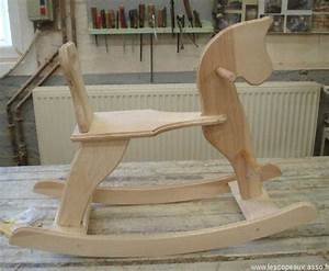Cheval En Bois à Bascule : fabrication cheval de bois a bascule ~ Teatrodelosmanantiales.com Idées de Décoration