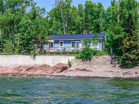 croftville road cottages opel shoreside lake superior cottage rental lakeplace