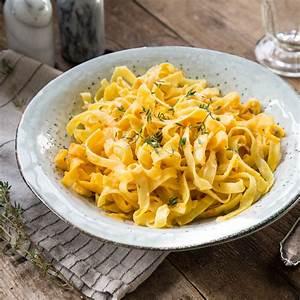 Spaghetti Mit Kürbis : herbst klassiker cremige k rbispasta alfredo ~ Lizthompson.info Haus und Dekorationen