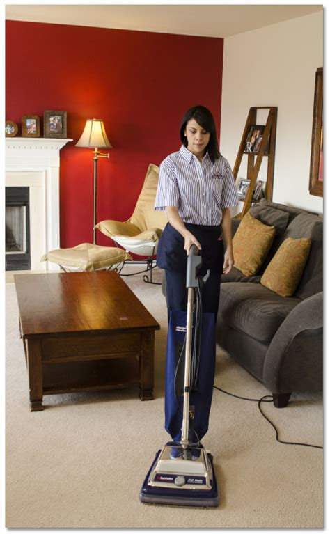 How To Vacuum Yes, Apparently You Do Need Vacuuming Tips