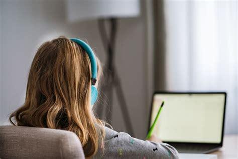 Many students preferring online learning, school board ...