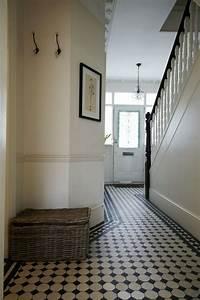 Black, And, White, Foyer, Tile