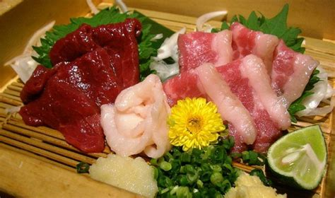 sushi mania discovering   sushi  tokyo nomadic
