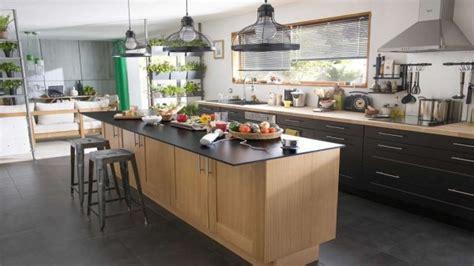 grande cuisine ouverte cuisine bistrot 23 idées déco pour un style bistrot