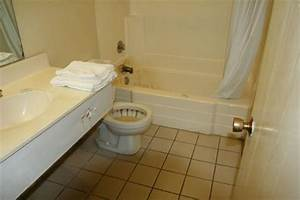 We were in room 118 review of willow inn suites blythe for Disgusting bathroom pictures