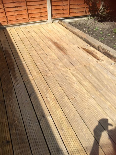 Cleaning Decking With Uk by Patio And Decking Cleaning Careful Care