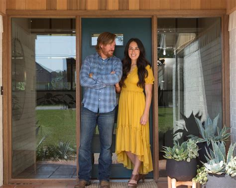 Chip And Joanna Gaines Are Pregnant  Hgtv's Fixer Upper