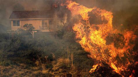 Saddleridge Fire burning in Sylmar, Granada Hills, Porter ...