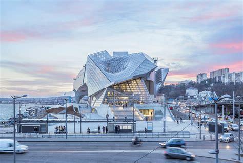 musee moderne lyon mus 233 e des confluences by coop himmelb l au in lyon