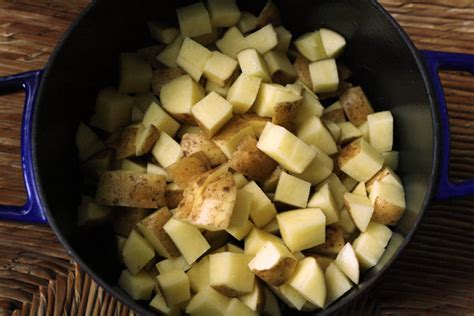 boiling yukon gold potatoes how roasted garlic mashed potatoes with parsley sarah s