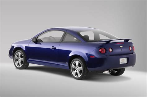 200510 Chevrolet Cobalt  Consumer Guide Auto