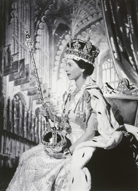 RCIN 2999885 - Coronation Portrait of Her Majesty The Queen, 1953