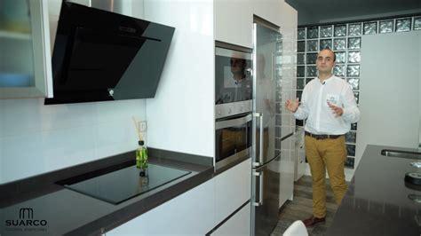 video de como instalar una cocina blanca moderna del tipo