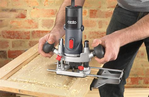 handling  woodworking router safety tips