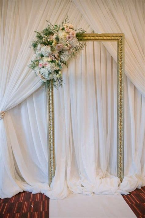Simple Wedding Backdrop Ideas 23 OOSILE