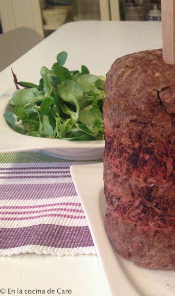 doner kebab al horno  en olla  en la cocina de caro