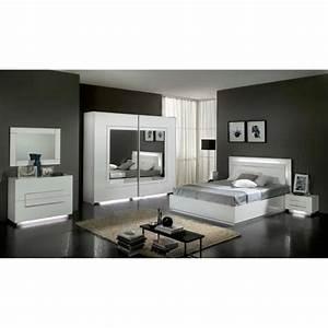 Chambre a coucher modele city laquee blanche avec armoire for Chambre a coucher adulte avec achat fenetre coulissante