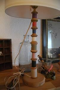 Pied De Lampe Bois : avec des bobines le soir d 39 un beau jour ~ Teatrodelosmanantiales.com Idées de Décoration