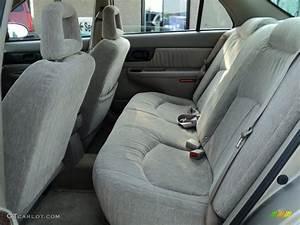Taupe Interior 2003 Buick Regal Ls Photo  49953245