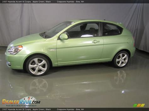 2007 Hyundai Accent Se by Apple Green 2007 Hyundai Accent Se Coupe Photo 3
