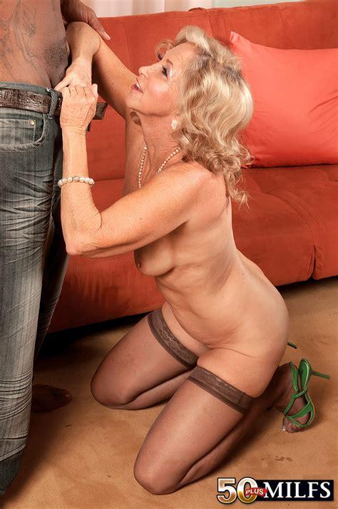 Mature Old Milf Annabelle Brady Wearing Stockings Tgp Gallery 79993