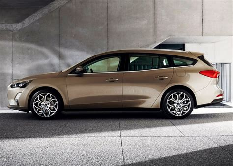 ford focus    reasons  buy   suv price