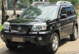 iklan bisnis samarinda dijual nissan x trail type xt a t 2 5 tahun 2005 warna hitam posisi