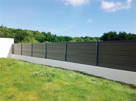 cloture composite sur muret panneaux de cl 244 ture chelet bois gu 233 rande
