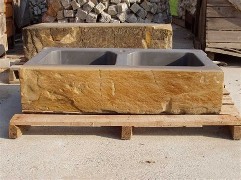 lavello in pietra murature in pietra di langa muri in pietre di langa