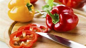 Cut up a bell pepper in seconds with the easiest kitchen ...