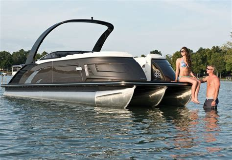Bennington Pontoon Boat In Rough Water by Pontoon Boat Party Barge For Spec Fishing