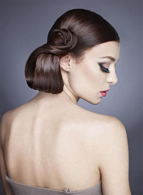 style   tight  smooth side pony tail