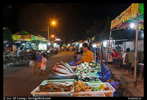 picturephoto seafood stall night market phu quoc
