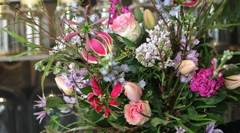 afbeelding verjaardag bos bloemen spaans gefeliciteerd voorjaar inspectionconference