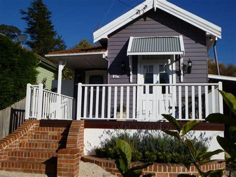 la maison leura blue a leura cottage stayz