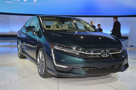 Best In Hybrid by Honda Expands Clarity Lineup With New Phev Ev In New York