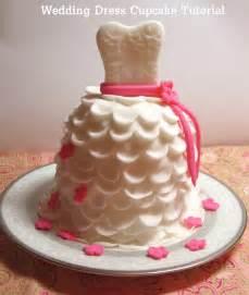 fondant hochzeitstorte diy how to make beautiful wedding dress cupcakes with fondant catch my