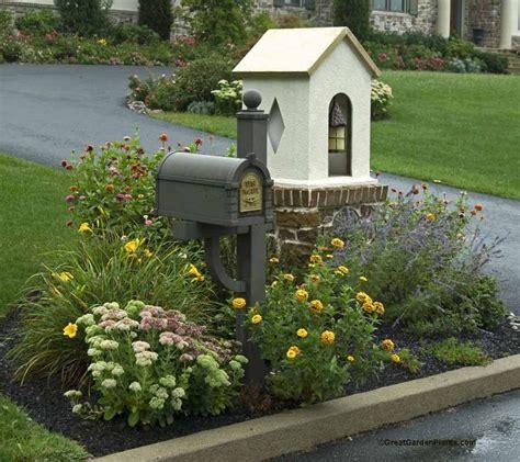 25+ Best Ideas About Mailbox Garden On Pinterest