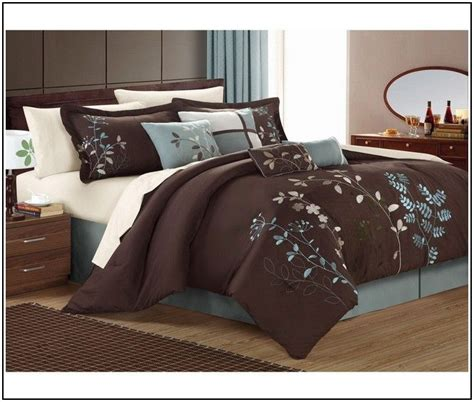 chocolate brown  tiffany blue bedding  beds master