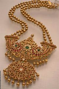 Design Your Dream Wedding | Temple Jewellery for Indian Brides