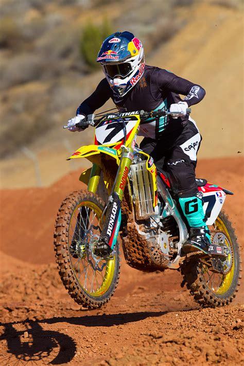 suzuki motocross gear james stewart 2014 yoshimura suzuki motocross pictures