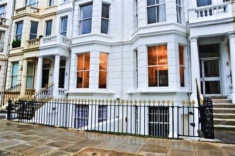 8 Bed Dormitory London, Kensington Hostel  Auberges De