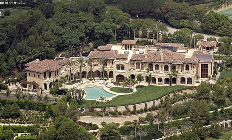 a vast estate that eddie murphy and ex bought
