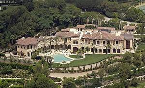 A vast estate that Eddie Murphy and ex Wife Nicole bought ...