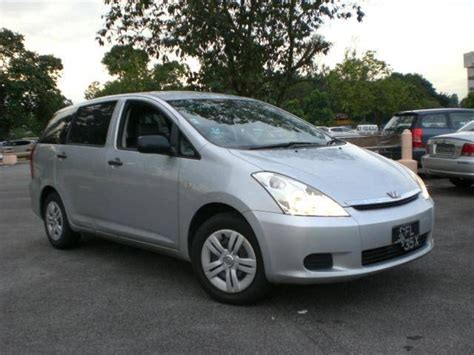 Toyota Photo by 2004 Toyota Wish Photos