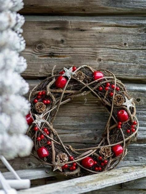 weihnachtsdeko aus holz selber basteln 106 atemberaubende adventskranz ideen archzine net