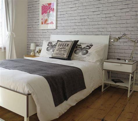 love  brick wallpaper  annas trysil bed